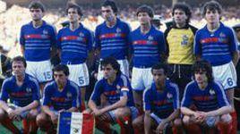 Сборная Франции образца 1984 года во главе с капитаном Мишелем ПЛАТИНИ.