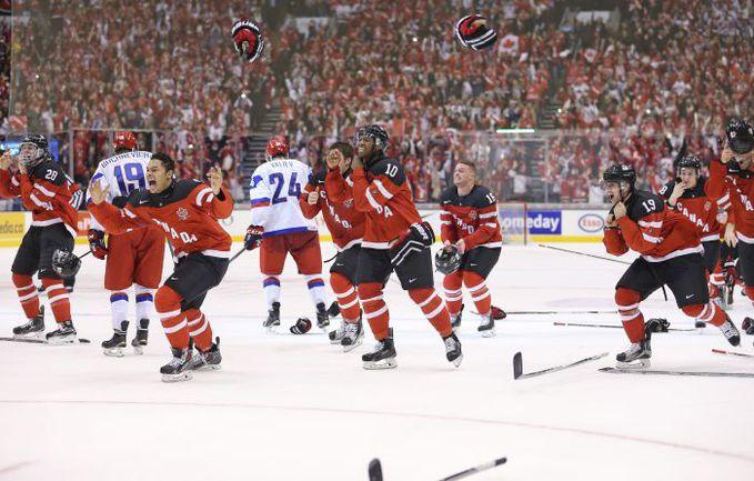 Сегодня. Торонто. Канада - Россия - 5:4. Этого золота Канада ждала слишком долго - и едва не потеряла. Фото AFP