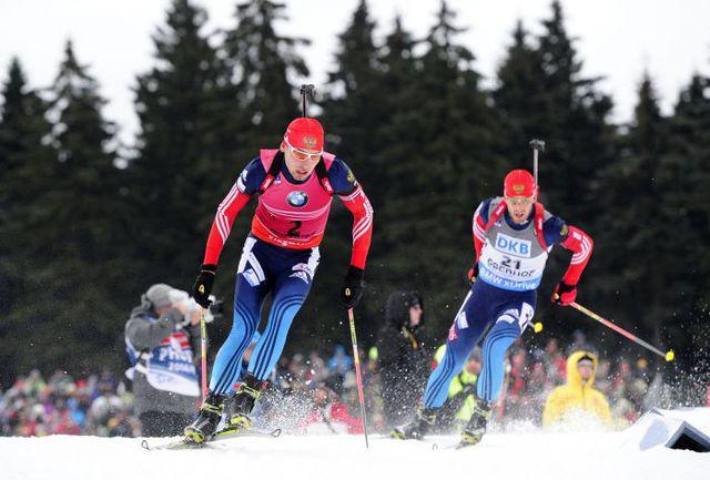 Воскресенье. Оберхоф. Антон ШИПУЛИН (слева) и Дмитрий МАЛЫШКО. Фото AFP