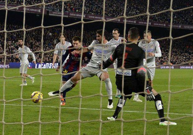 """Воскресенье. Барселона. """"Барселона"""" - """"Атлетико"""" - 3:1. 87-я минута. Гол Лионеля МЕССИ. Фото AFP"""
