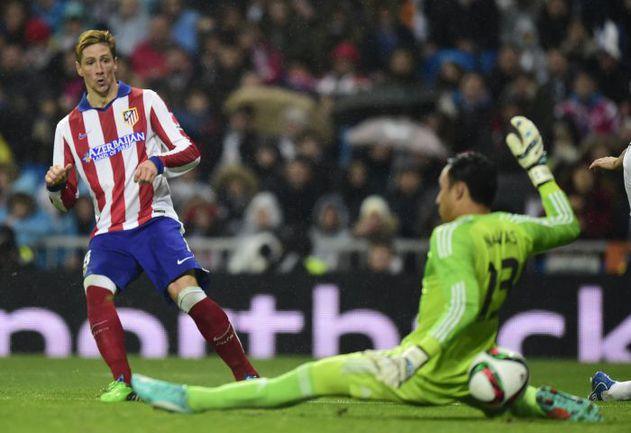 """Вчера. Мадрид. """"Реал"""" - """"Атлетико"""" - 2:2. 46-я минута. Второй гол ФЕРНАНДО ТОРРЕСА. Фото AFP"""
