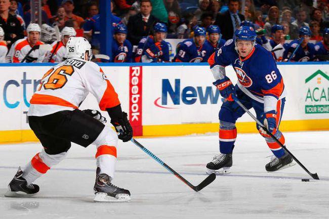 """Понедельник. Нью-Йорк. """"Айлендерс"""" – """"Филадельфия"""" – 7:4. В атаке Николай КУЛЕМИН. Фото НХЛ."""
