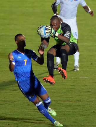 Четверг. Эбебьин. Кабо-Верде - ДР Конго – 0:0. Кабовердеанцы не смогли забить Роберту КИДИАБА, который стал главным героем матча. Фото AFP