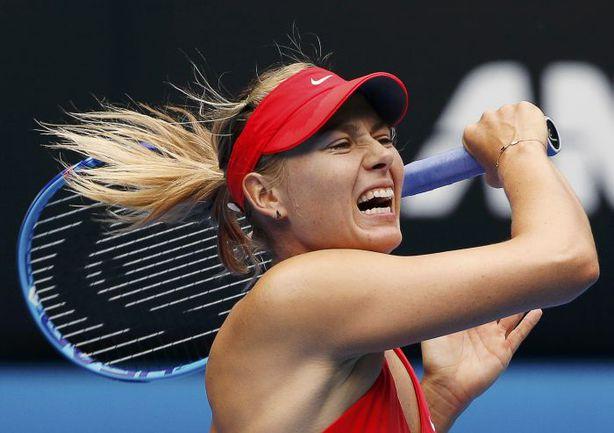 Воскресенье. Мельбурн. Мария ШАРАПОВА в матче четвертого круга Australian Open против Пен Шуай. Фото REUTERS
