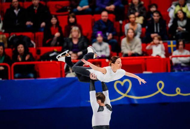 Сегодня. Стокгольм. Ксения СТОЛБОВА и Федор КЛИМОВ лидируют на чемпионате Европы после короткой программы. Фото AFP