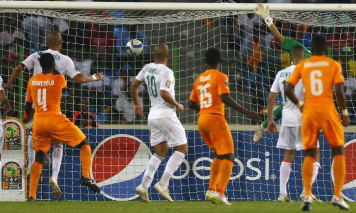 Воскресенье. Малабо. Кот-д'Ивуар - Алжир - 3:1. 69-я минута. Второй гол Вильфрида Бони. Фото Reuters