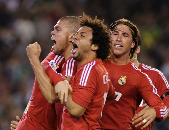 Защитники ПЕПЕ, МАРСЕЛУ и СЕРХИО РАМОС (слева направо) в субботнем матче помочь «Реалу» не смогут. Фото AFP