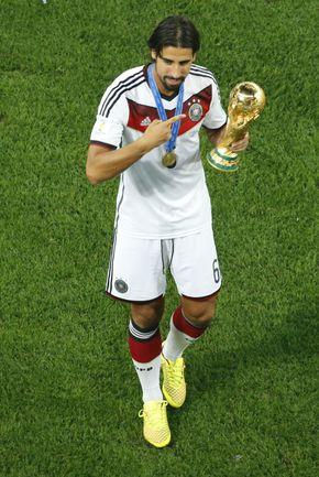 """Чемпион мира-2014 в составе сборной Германии Сами ХЕДИРА летом, скорее всего, покинет """"Реал"""". Почему бы 27-летнему хавбеку не отправиться в Россию? Фото AFP"""