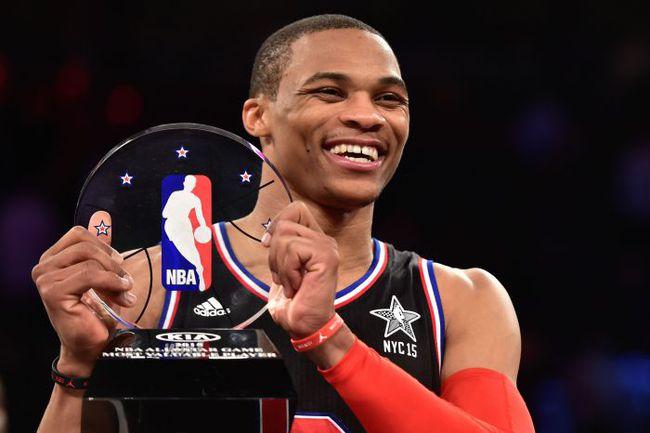 Воскресенье. Нью-Йорк. Матч звезд НБА. Восток – Запад – 158:163. Рассел УЭСТБРУК показал мастер-класс и в окружении главных звезд лиги. Фото REUTERS