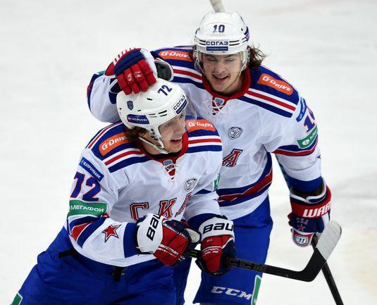 Артемий ПАНАРИН и Виктор ТИХОНОВ. Фото photo.khl.ru