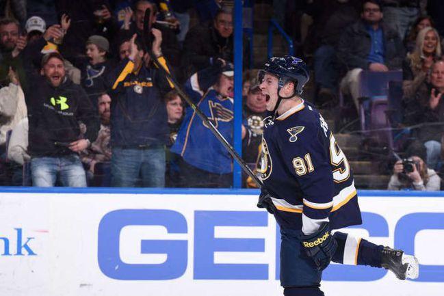 "Пятница. Сент-Луис. ""Сент-Луис"" – ""Бостон"" – 5:1. Владимир ТАРАСЕНКО празднует 30-ю шайбу в сезоне. Фото НХЛ."