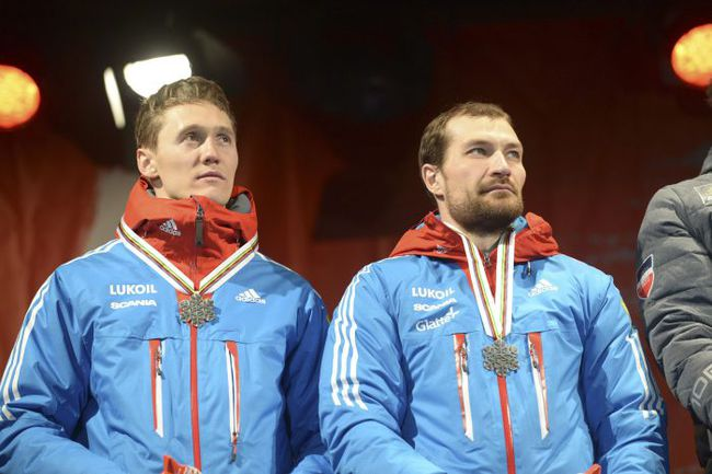 Воскресенье. Фалун. Алексей ПЕТУХОВ (справа) и Никита КРЮКОВ. Фото AFP
