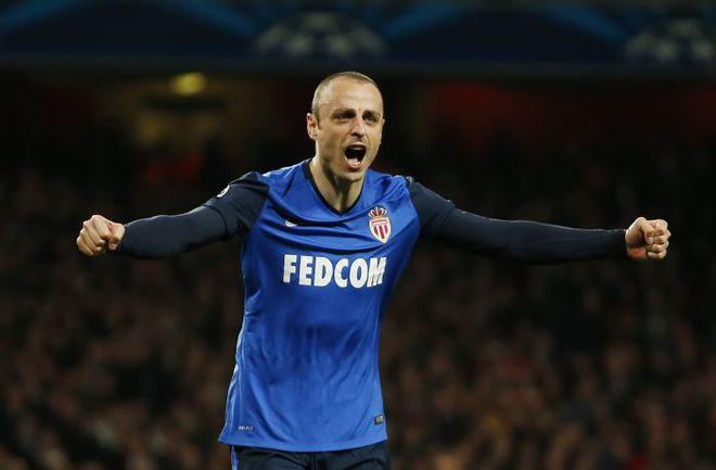 """Среда. Лондон. """"Арсенал"""" - """"Монако"""" - 1:3. 53-я минута. Димитар БЕРБАТОВ радуется победному голу. Фото REUTERS"""
