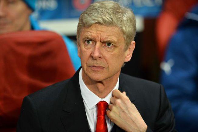 """25 февраля. Лондон. """"Арсенал"""" - """"Монако"""" - 1:3. Арсен ВЕНГЕР. Фото AFP"""