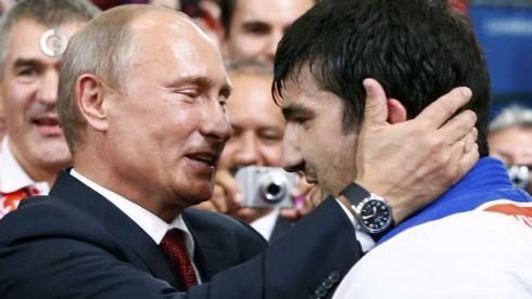 Золотой хет-трик для Путина