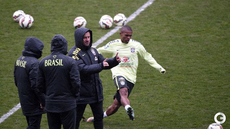 Дунга готовит бразильцев к матчу с Францией