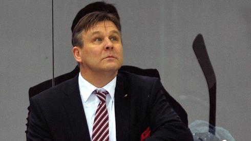 Сумманен покинул пост главного тренера