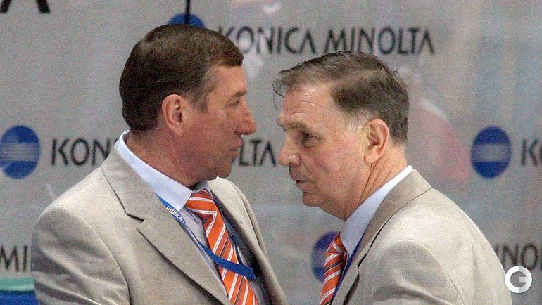 2004 год. Легендарные хоккейные тренеры Валерий Белоусов и Виктор Тихонов.