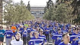 Более 1500 бегунов уже начали будить свой район