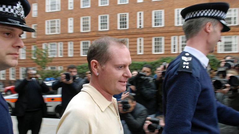 Ноябрь 2008 года. Пол ГАСКОЙН покидает полицейский участок. Фото AFP