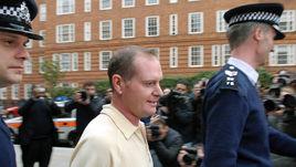 Ноябрь 2008 года. Пол ГАСКОЙН покидает полицейский участок.