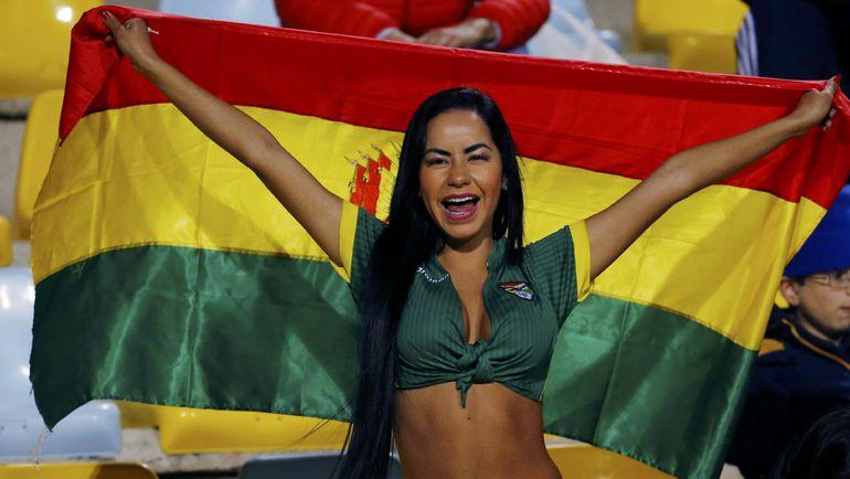 Болельщица сборной Боливии.