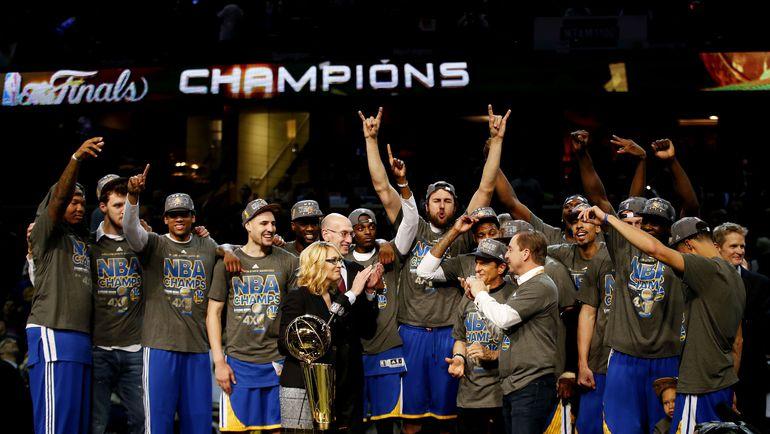 "Вторник. Кливленд. ""Голден Стэйт"" - чемпион НБА! Фото AFP"