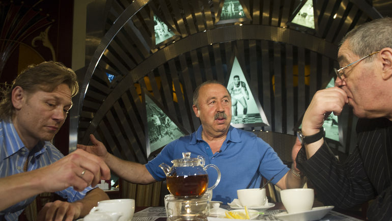 Валерий КАРПИН и Валерий ГАЗЗАЕВ в гостях у Александра ЛЬВОВА. Фото Федор УСПЕНСКИЙ, «СЭ»