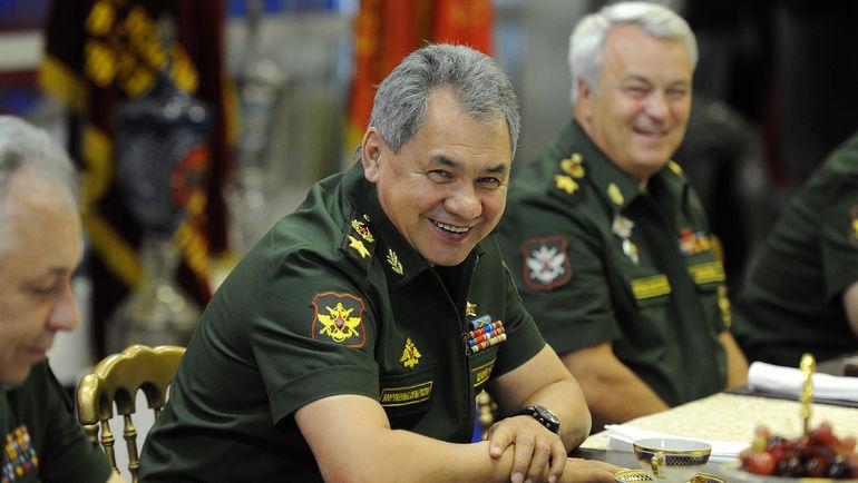 Министр обороны РФ Сергей ШОЙГУ (в центре). Фото Алексей ИВАНОВ, «СЭ»