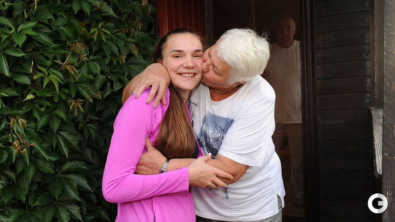 Мария Вадеева с бабушкой.