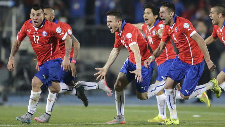 Сегодня. Сантьяго. Чили - Аргентина - 0:0. Пенальти - 4:1. Радость чемпионов. Фото Reuters
