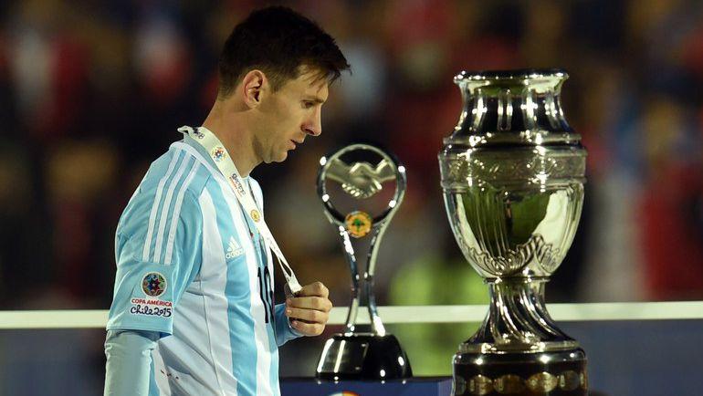 Суббота. Сантьяг. Чили – Аргентина – 0:0 (пен. – 4:1). Разочарование Лионеля МЕССИ. Фото AFP