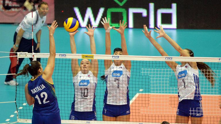 Сегодня. Катанья. Россия - Бразилия - 0:3. Россиянки уступили бразильянкам, набрав всего 49 очков. Фото fivb.com