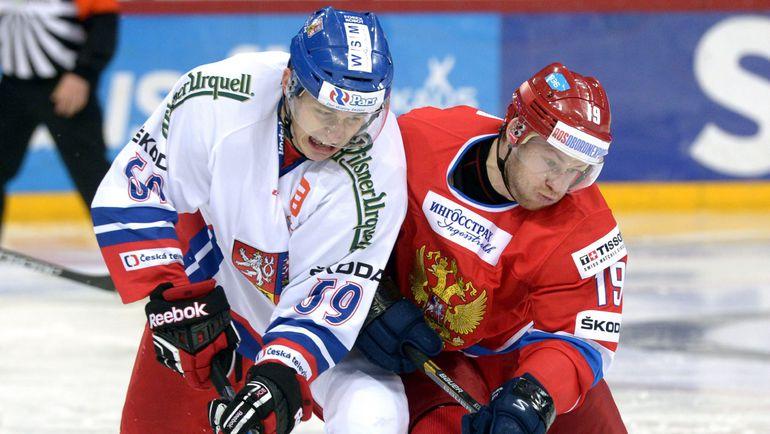 Лукаш РАДИЛ в борьбе с Денисом КОКАРЕВЫМ. Фото Reuters