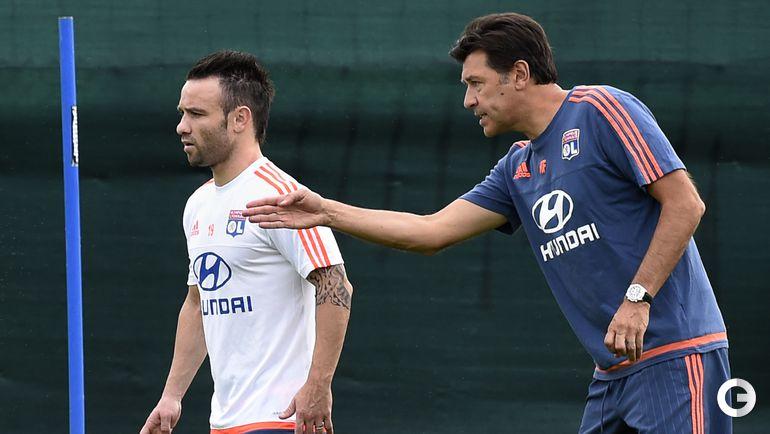 Матье Вальбуэна и главный тренер Юбер Фурнье.