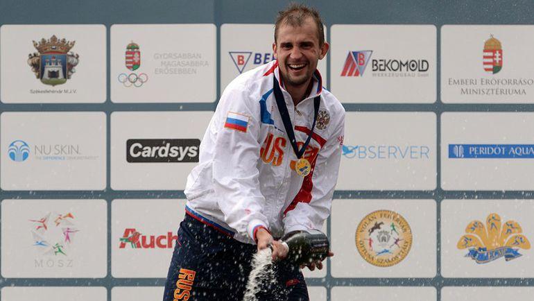 13 июля 2014 года. Секешфехервар. Александр ЛЕСУН становится чемпионом Европы в личном зачете. Фото AFP