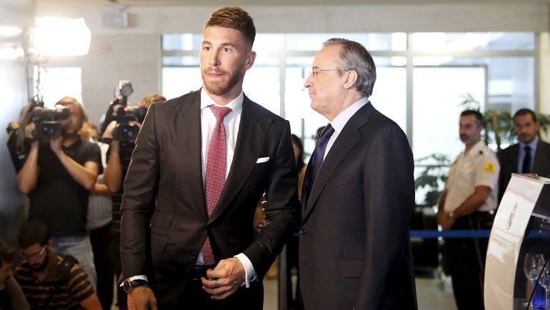 """Флорентино ПЕРЕС (справа) согласился на подписание нового контракта Серхио РАМОСА с """"Реалом"""". Фото REUTERS"""