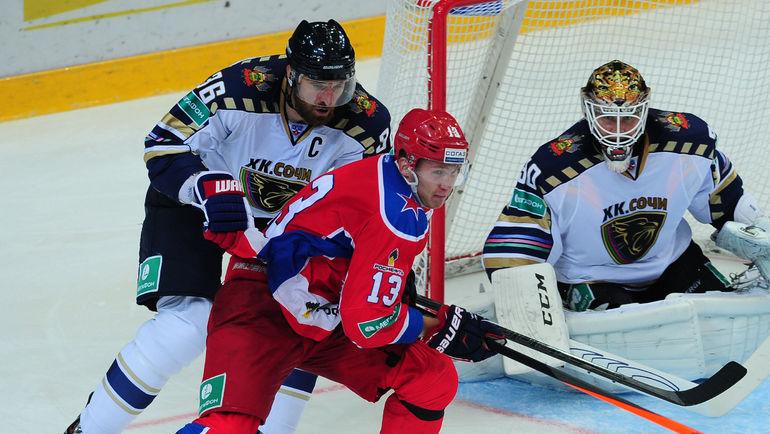 """Капитан """"Сочи"""" Алексей СЕМЕНОВ (слева). Фото Никита УСПЕНСКИЙ, «СЭ»"""