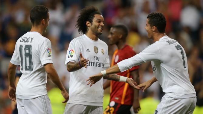 "Вчера. Мадрид. ""Реал"" - ""Галатасарай"" - 2:1. КРИШТИАНУ РОНАЛДУ (справа) и автор победного гола МАРСЕЛУ. Фото AP via Yahoo!"