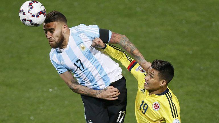 Защитник сборной Аргентины Николас ОТАМЕНДИ в ближайшее время должен переехать в Англию. Фото REUTERS