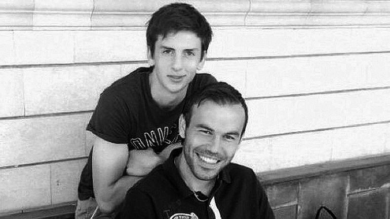 """Амир НАТХО и его двоюродный брат Бибрас. Фото """"Вконтакте"""""""