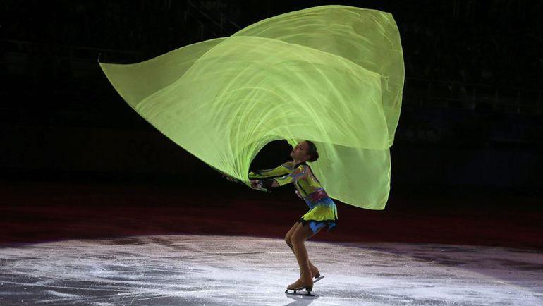 Аделина СОТНИКОВА во время показательных выступлений на Играх-2014. Фото REUTERS