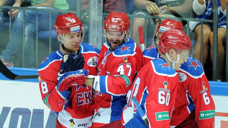 """Дмитрий КУГРЫШЕВ (слева) и Александр РАДУЛОВ (в центре). Фото Алексей ИВАНОВ, """"СЭ"""""""