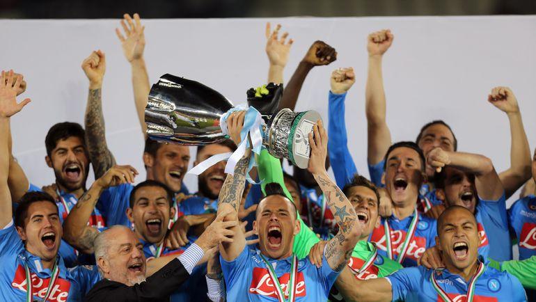 """22 декабря 2014. """"Наполи"""" с итальянским Суперкубком. Фото AFP"""