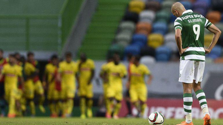 """Сегодня. Лиссабон. """"Спортинг"""" – """"Пасуш де Феррейра"""" – 1:1. 80-я минута. Нападающий """"Спортинга"""" Ислам СЛИМАНИ и его команда не выиграли впервые в сезоне. Фото AFP"""