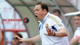 Леонид СЛУЦКИЙ ждет, что футболисты сборной будут регулярно играть в клубах.