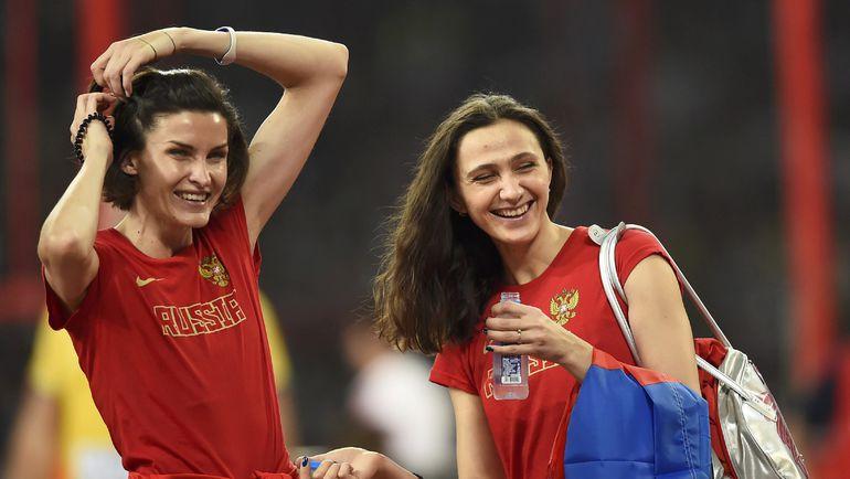 Суббота. Пекин. Анна ЧИЧЕРОВА и Мария КУЧИНА радуются результату. Фото REUTERS