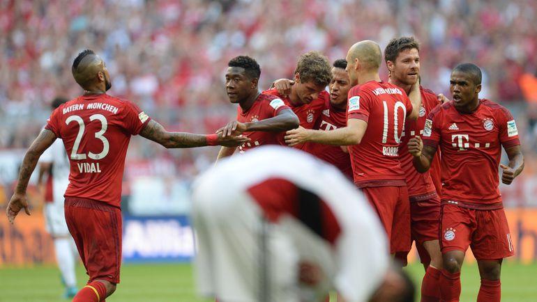 "Суббота. Мюнхен. ""Бавария"" - ""Байер"" - 3:0. Игроки ""Баварии"" празднуют забитый гол. Фото AFP"