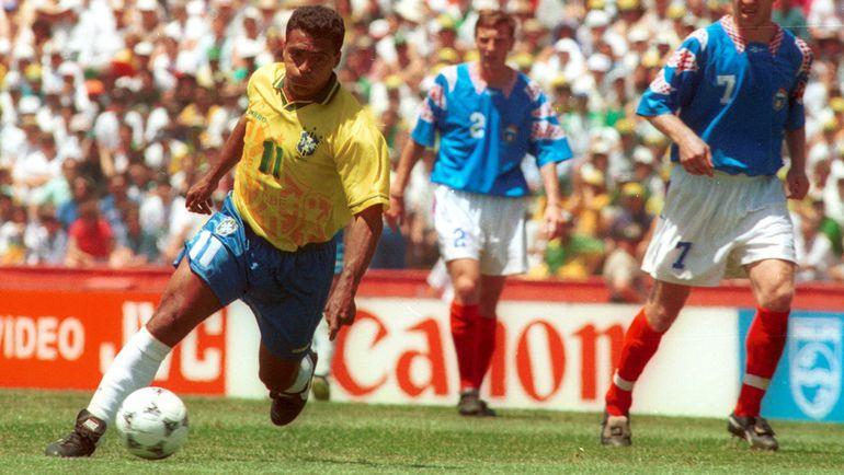 """20 июня 1994 года. Пало-Алто. Бразилия - Россия - 2:0. В атаке - РОМАРИО. Фото Александр ФЕДОРОВ, """"СЭ"""""""