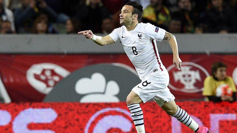 Сегодня. Лиссабон. Португалия - Франция - 0:1. Матье ВАЛЬБУЭНА только что отправил мяч в сетку ворот хозяев. Фото AFP